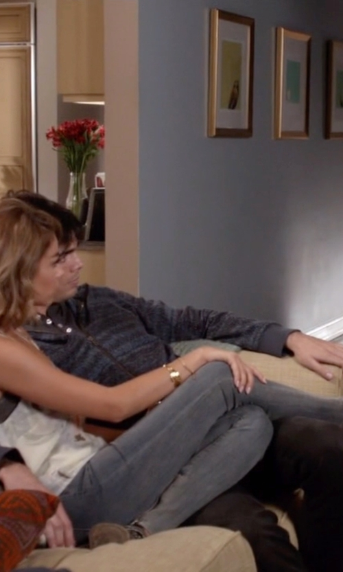 Sarah Hyland with Helmut Lang Mid-Rise Skinny Jeans in Modern Family