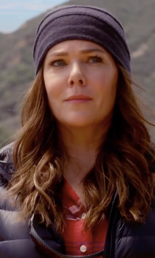 Lauren Graham with Saks Fifth Avenue Collection Slouchy Cashmere Beanie in Gilmore Girls: A Year in the Life