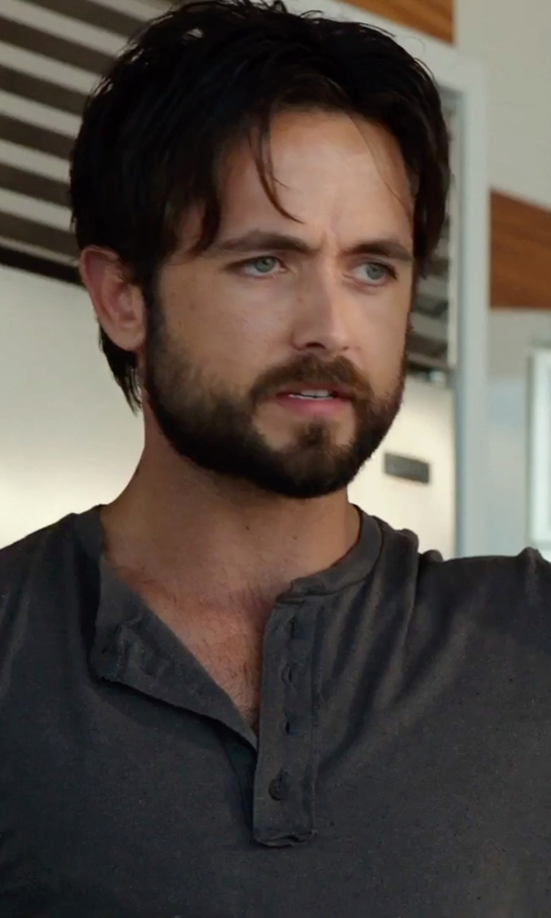 Justin Chatwin with Billy Reid Short Sleeve Hunter Henley Tee in Urge