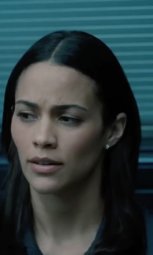 Paula Patton with James Parse Linen Pocket Button Up Shirt in Mission: Impossible - Ghost Protocol