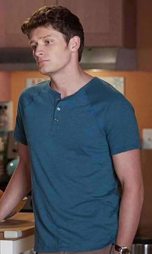 Brett Dier with Vince Short-Sleeve Slub Henley T-Shirt in Jane the Virgin