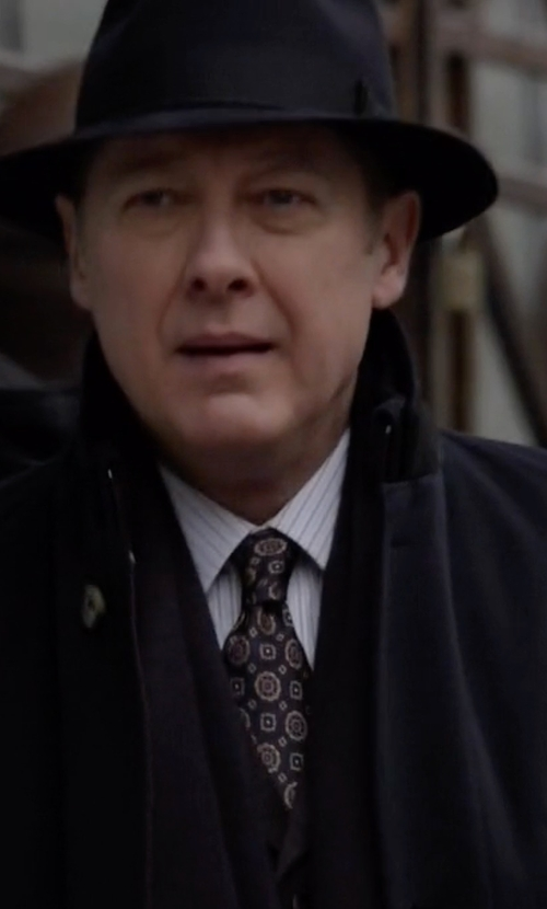 James Spader with Ike By Ike Behar Exploded Flower Medallion Silk Tie in The Blacklist