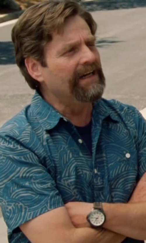 Zach Galifianakis with Tasso Elba  Men's Silk Linen Paisley Short-Sleeve Shirt in Keeping Up with the Joneses