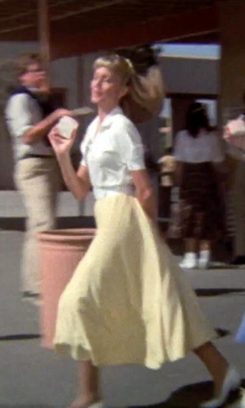 Olivia Newton-John with Mod Cloth Midi Skirt in Grease