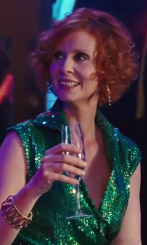 Cynthia Nixon with Villeroy & Boch Champagne Flute Glass in Sex and the City 2