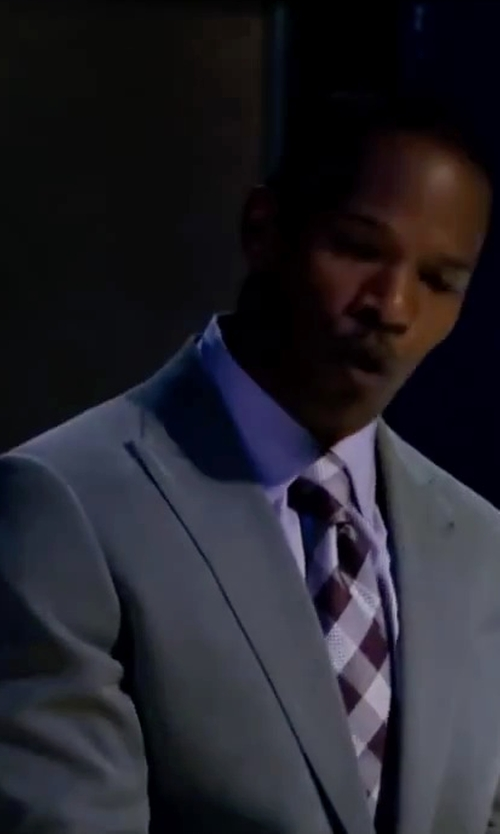 Jamie Foxx with Garda Peak Lapel Suit in Valentine's Day