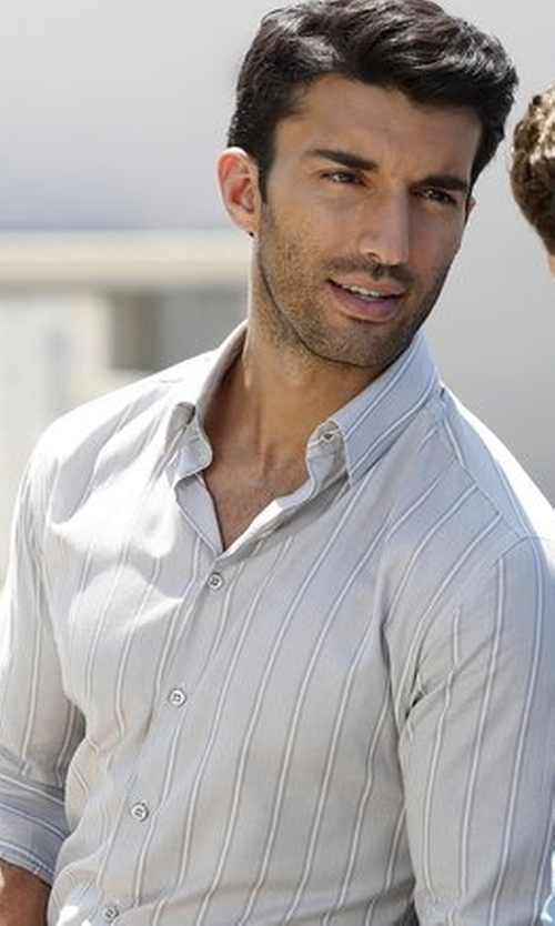 Justin Baldoni with M.Grifoni Denim Button Down Stripe Shirt in Jane the Virgin