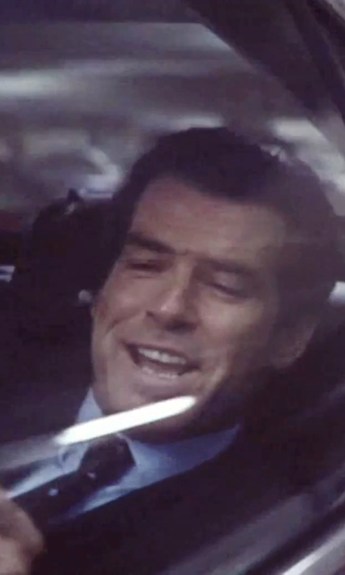 Pierce Brosnan with Canali Light-Blue Cotton-Twill Shirt in Tomorrow Never Dies