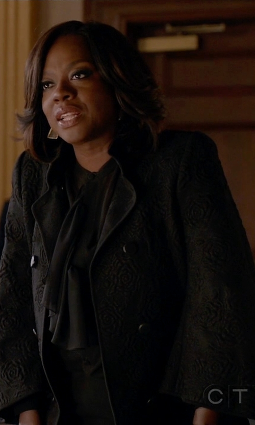 Viola Davis with Alexander McQueen Knitted Wool-Blend Jacket in How To Get Away With Murder