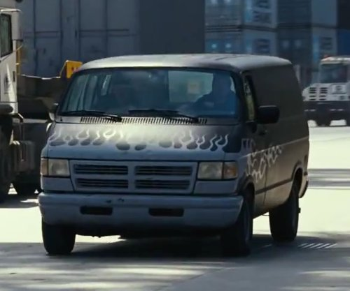 Mark Wahlberg with Dodge 1994 Ram Van in Contraband