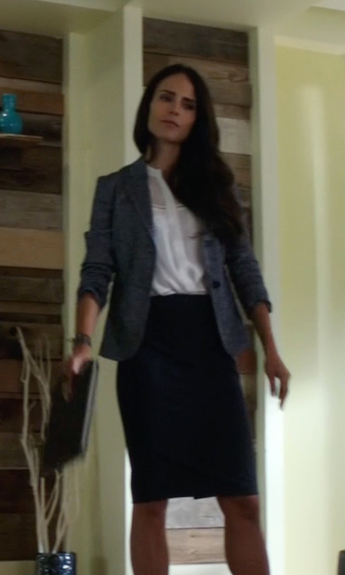 Jordana Brewster with Eileen Fisher  Silk-Cotton Pencil Skirt in Lethal Weapon