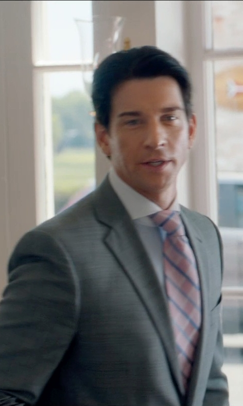 Andy Karl with Express Stretch Wool Photographer Suit Jacket in And So It Goes