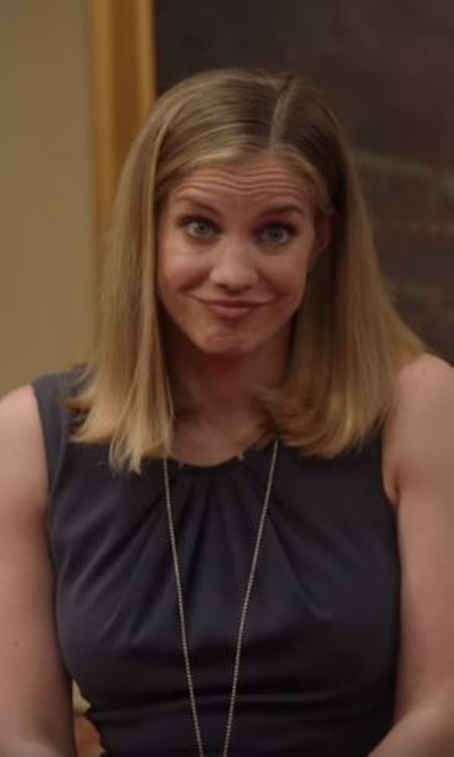 Anna Chlumsky with Alice + Olivia Sleeveless Silk Blend Blouse in Veep