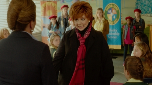 Melissa McCarthy with Burberry Garnet Pink Scarf in The Boss