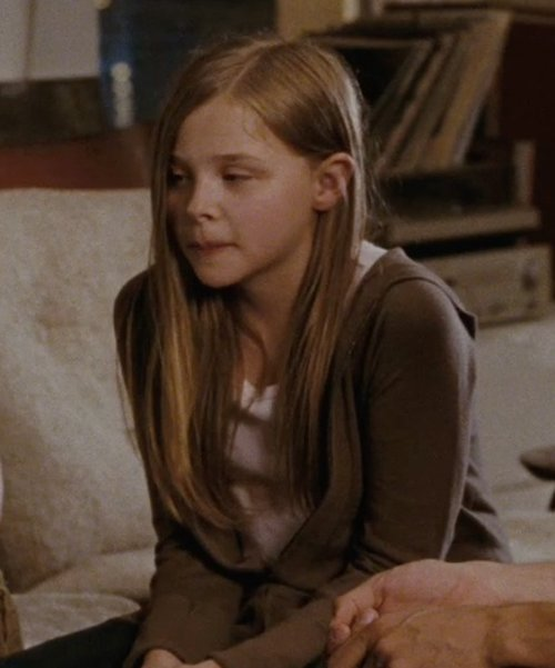 Chloë Grace Moretz with Splendid Girl's Vintage V-Neck Tee in (500) Days of Summer