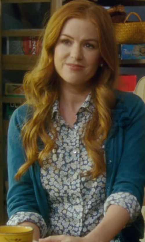 Isla Fisher with Equipment Adalyn Silk Top in Keeping Up with the Joneses