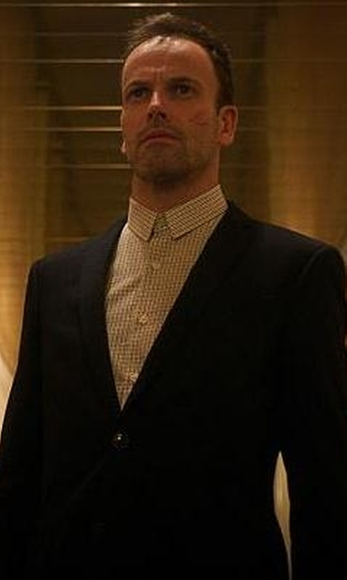 Jonny Lee Miller with Kenneth Cole New York Textured Ponte Blazer in Elementary