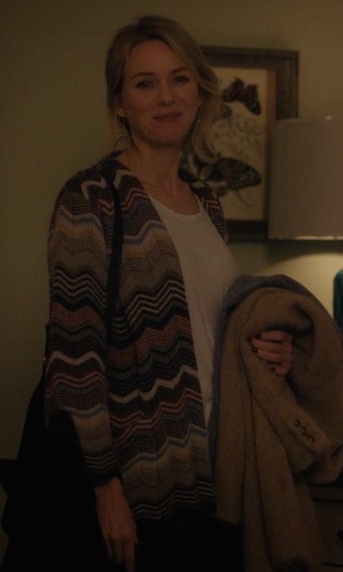 Naomi Watts with Amuse Society Cayne Cardigan in Gypsy