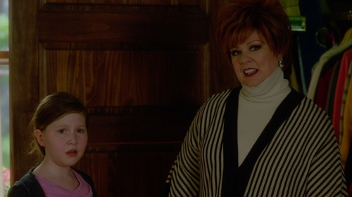 Melissa McCarthy with Misook White Striped Open Kimono Cardigan in The Boss