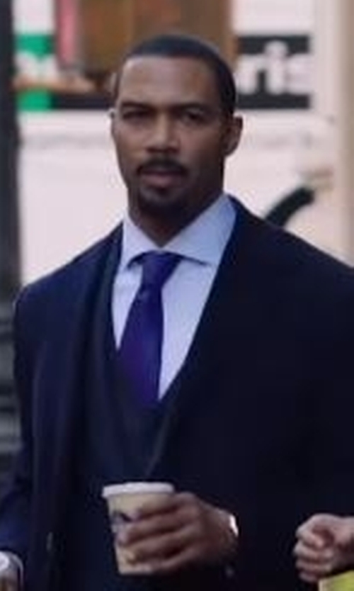 Omari Hardwick with Saks Fifth Avenue Collection Solid Silk Tie in Power