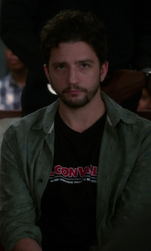 John Magaro with HBO Shop Silicon Valley Icon T-Shirt in The Good Wife