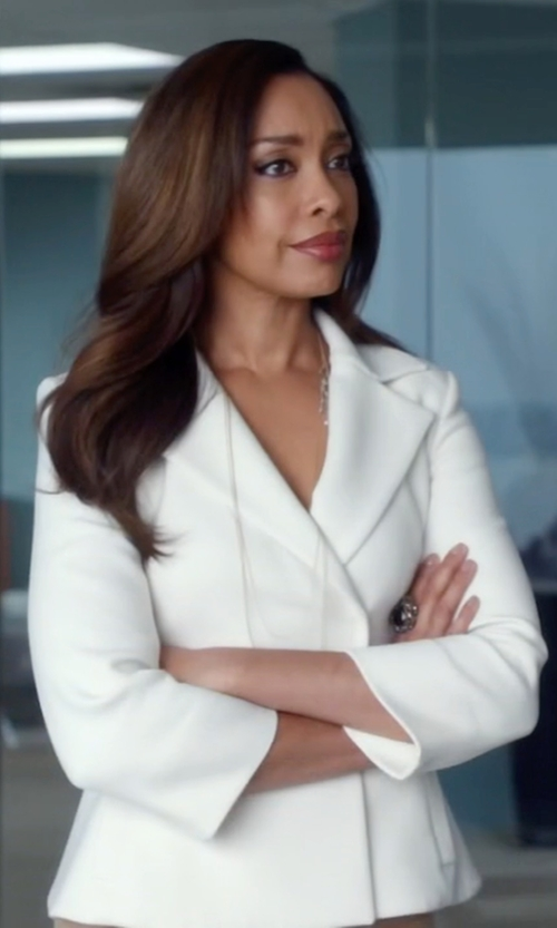 Gina Torres with Ugo Cacciatori Onyx Ring in Suits