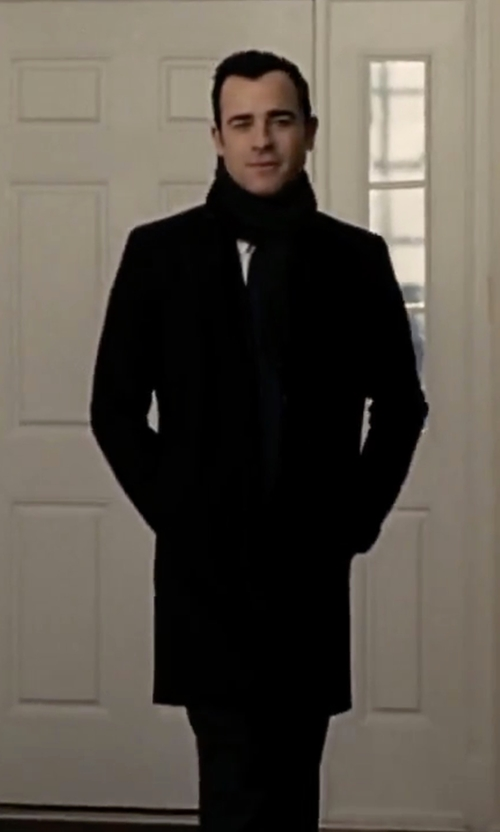 Justin Theroux with Calvin Klein Modesto Wool-Blend Overcoat in The Girl on the Train