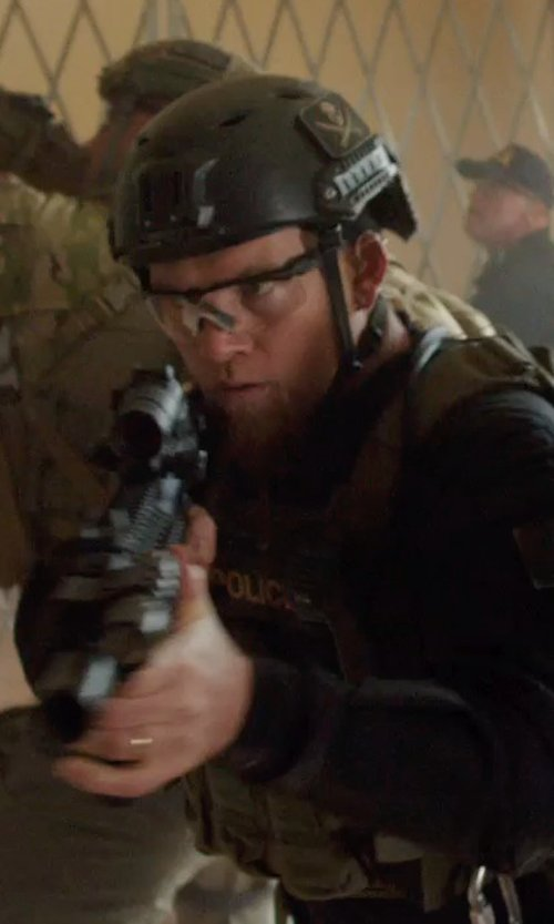 Sam Worthington with Raptors Tactical RTV Helmet in Sabotage