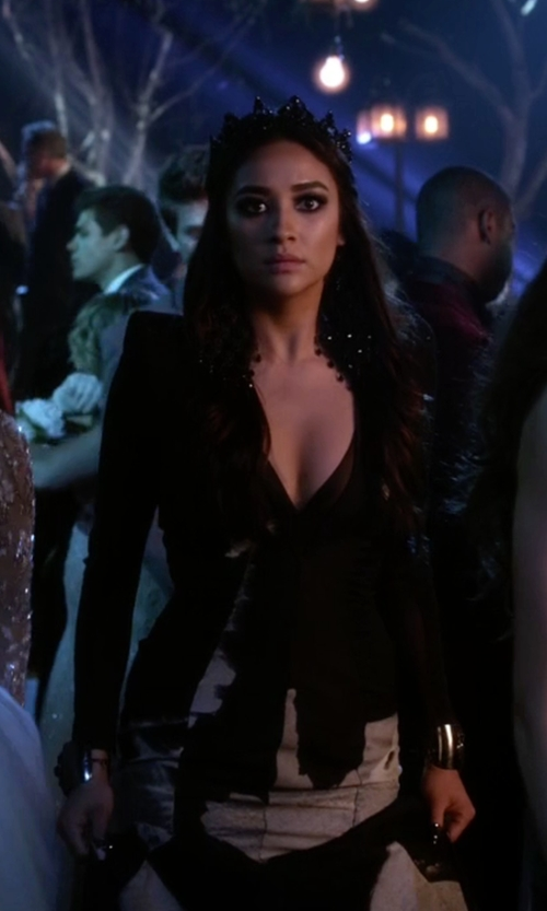 Shay Mitchell with Michael Costello Fall 15 Gown in Pretty Little Liars