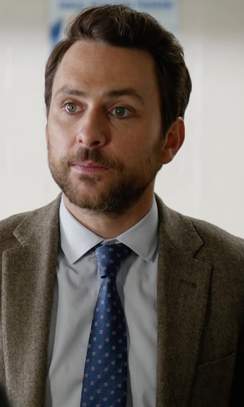 Charlie Day with Eton of Sweden Dotted Silk Tie in Fist Fight