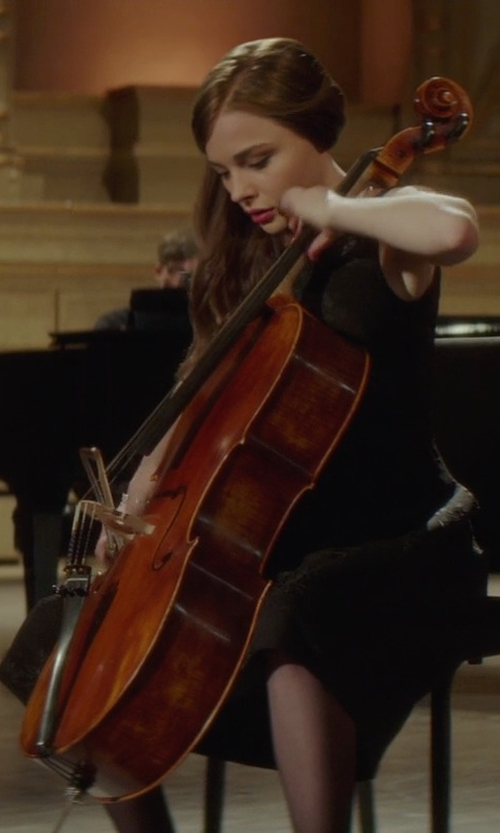 Chloë Grace Moretz with Yamaha Standard Model AVC5 Cello Outfit 4/4 Size in If I Stay