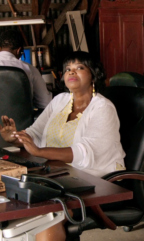 Octavia Spencer with Splendid Ribbed Tab Sleeve Cardi Wrap in Black or White