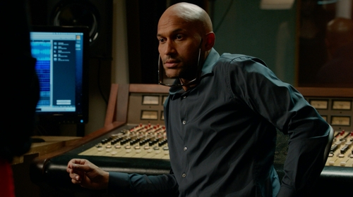 Keegan-Michael Key with Theory Blue Zack PS Shirt in Pitch Perfect 2