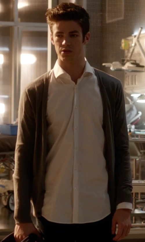 Grant Gustin with Polo Ralph Lauren White Cotton Shirt in The Flash