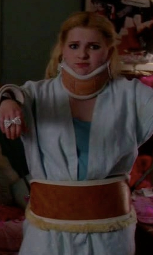 Abigail Breslin with P Jamas Butterknit Short Wrap Robe in Scream Queens