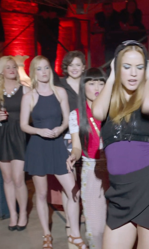 Shelley Regner with Escada Two-Button Blazer in Pitch Perfect 2