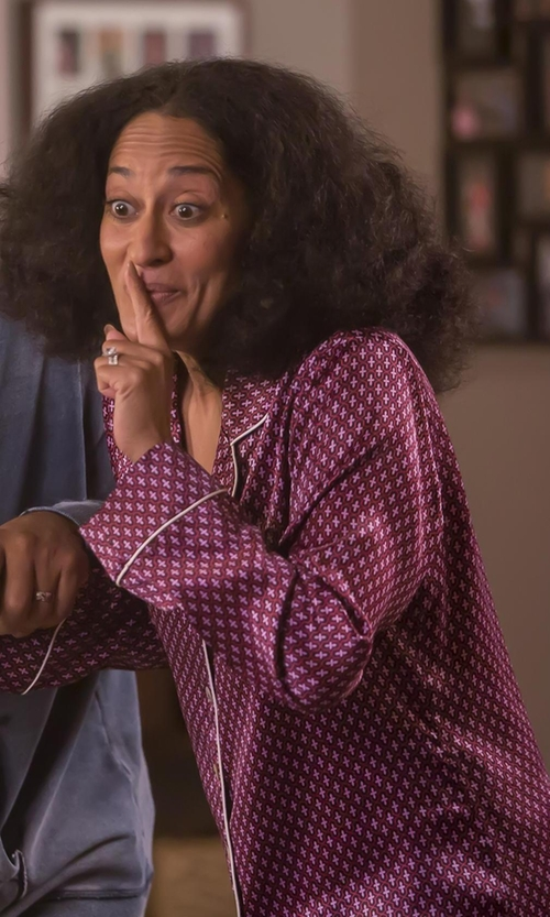 Tracee Ellis Ross with DKNY Print Jersey Pajama Set in Black-ish