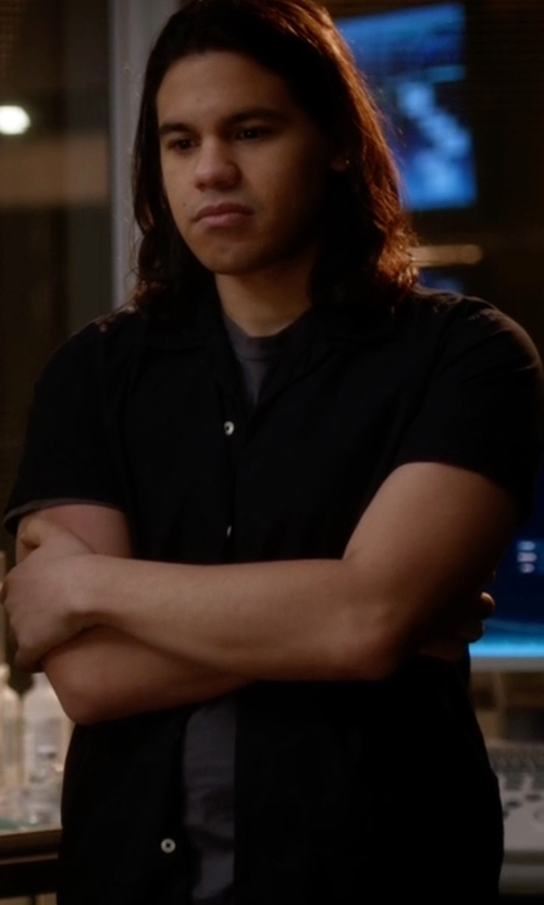 Carlos Valdes with Tommy Bahama Isla Diamond Silk Sportshirt in The Flash