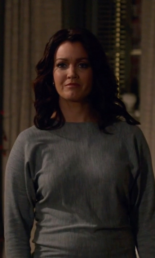 Bellamy Young with Honeydew Intimates A Getaway Jetset Boat Neck Tee in Scandal