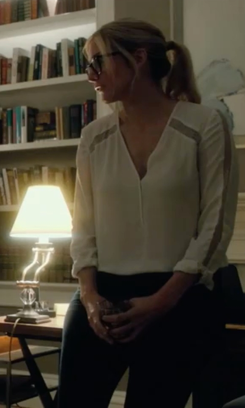 Elizabeth Mitchell with Akris Punto Long Sleeve Knit Collar Blouse in The Purge: Election Year