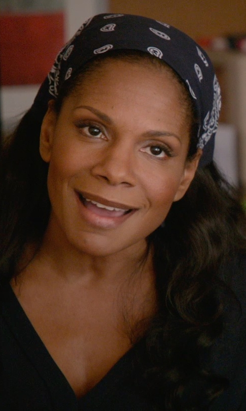 Audra McDonald with Uptown Girl Headwear Classic Paisley Bandana Head Scarf in Ricki and the Flash