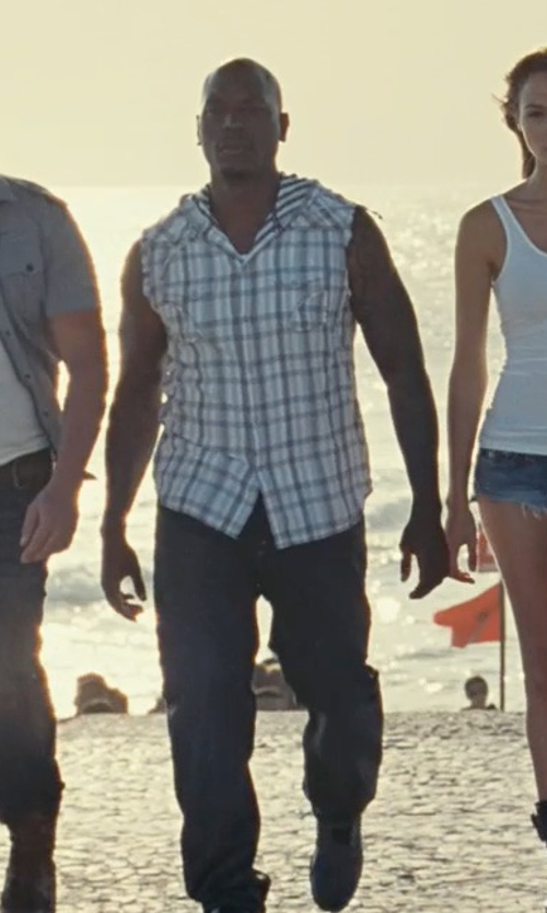 Tyrese Gibson with Nike Dunk Lux SP Sherpa Sneakers in Fast Five