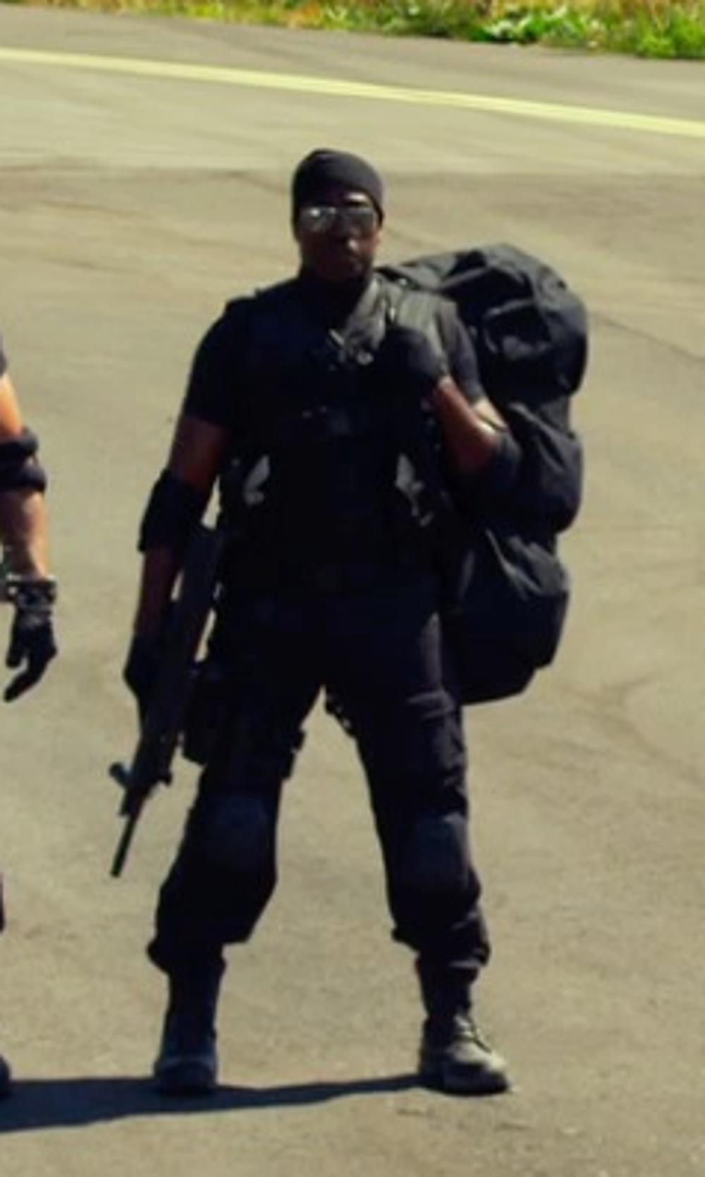 Wesley Snipes with J Brand Clean Cargo Drawstring Pants in The Expendables 3