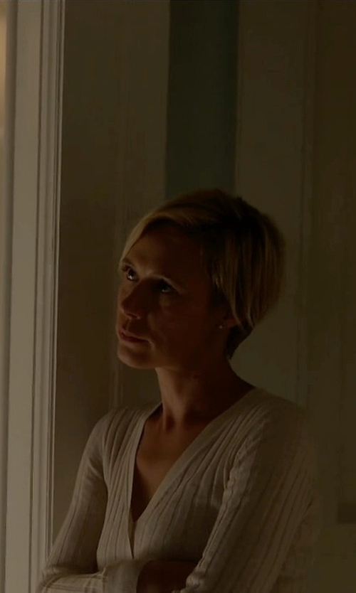 Liza Weil with Ralph Lauren Cabled Cashmere V-Neck Sweater in How To Get Away With Murder