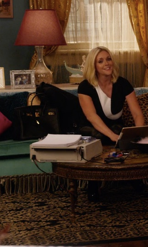 Jane Krakowski with Hermès Birkin Leather Handbag in Unbreakable Kimmy Schmidt