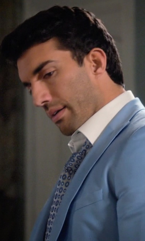 Justin Baldoni with Eton Neat Foulard Silk Tie in Jane the Virgin