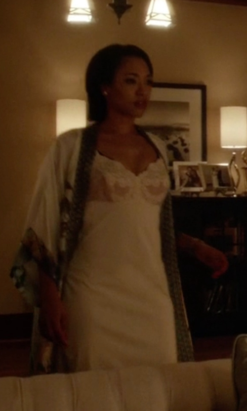 Candice Patton with Old Shanghai Print Kimono Robe in The Flash
