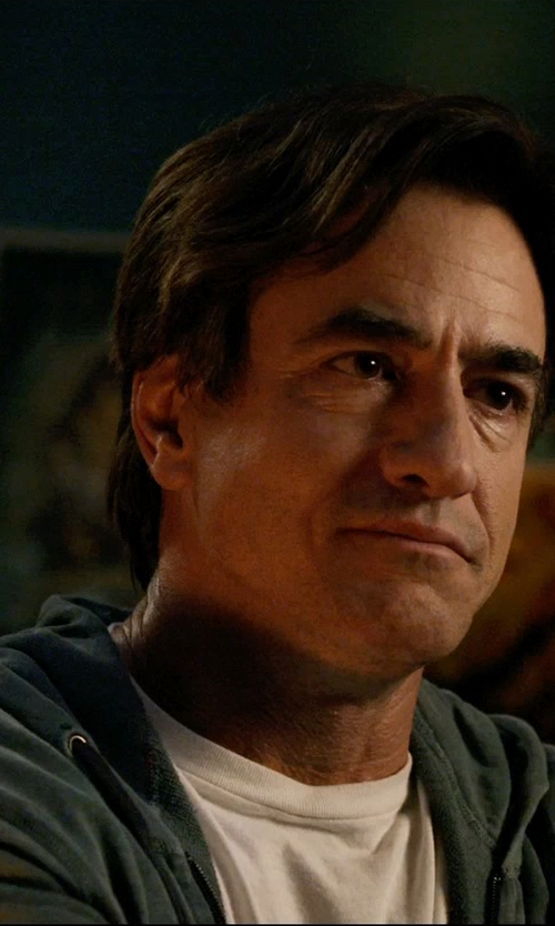 Dermot Mulroney with Banana Republic Tipped Gray Sweater Jacket in Insidious: Chapter 3