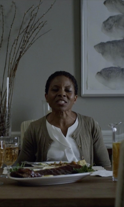 LisaGay Hamilton with Jeordie's Button Cardigan in House of Cards