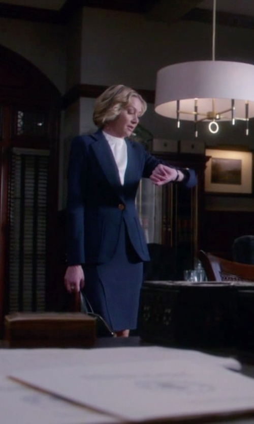 Portia de Rossi with Eleventy One Button Knit Jacket in Scandal
